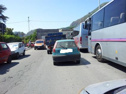 Bus per gruppi turisti Sottomonastero