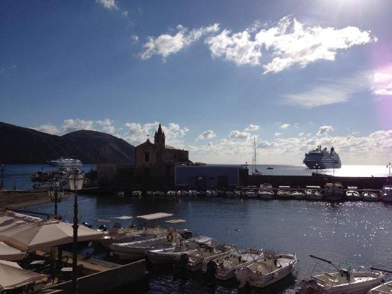 Lunedì con due navi da crociera