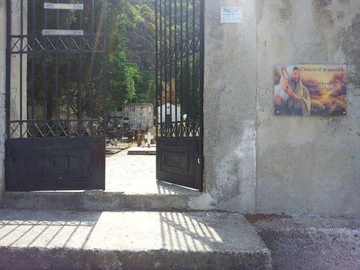 Cimitero Acquacalda, Saltalamacchia dona targa