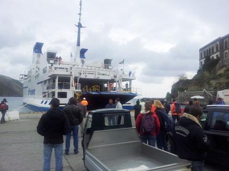 Viaggiano i traghetti