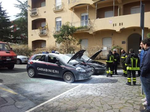 Auto a fuoco CC, convalidato arresto reo confesso