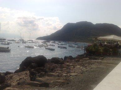 Filicudi, gli isolani si ripuliscono le spiagge