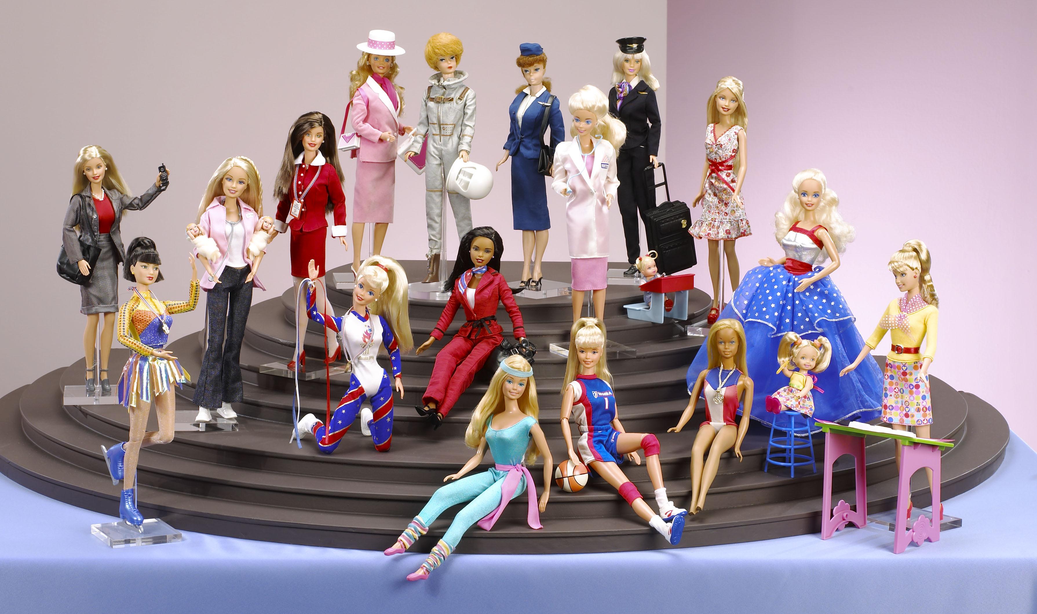 """""""Barbie. The Icon"""", al Vittoriano tutte le carriere della bambola più famosa al mondo  2° Parte"""