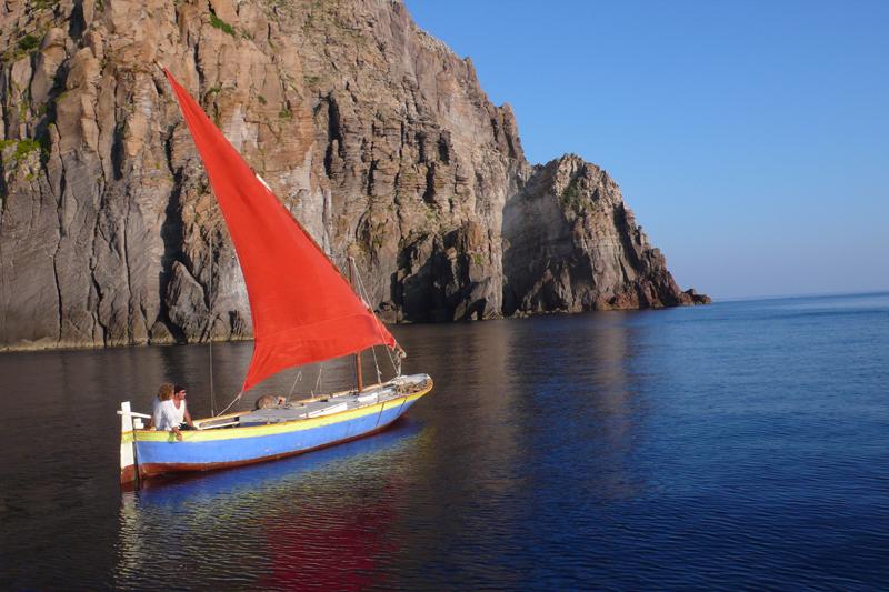 """""""Fughe e Approdi"""": Giovanna Taviani alle Isole Eolie"""