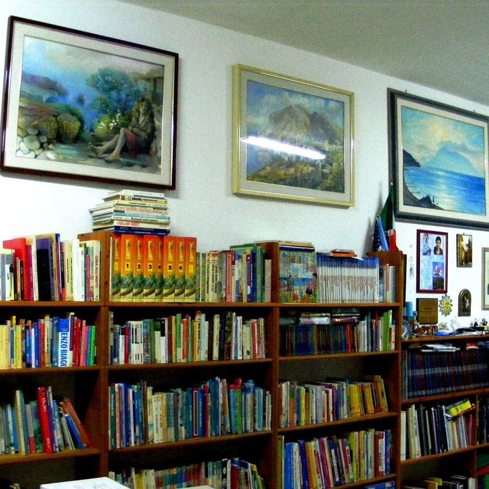 Salina: la biblioteca pinacoteca