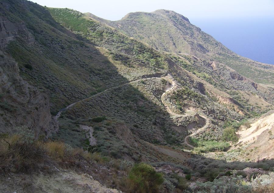Natura e panorami: una passeggiata a Lipari
