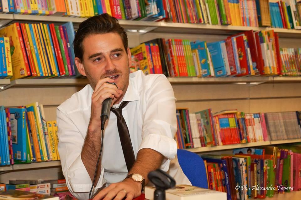 """""""Dall'Etna a Stromboli: la lava che ho dentro"""", intervista allo scrittore Francesco A. Russo"""