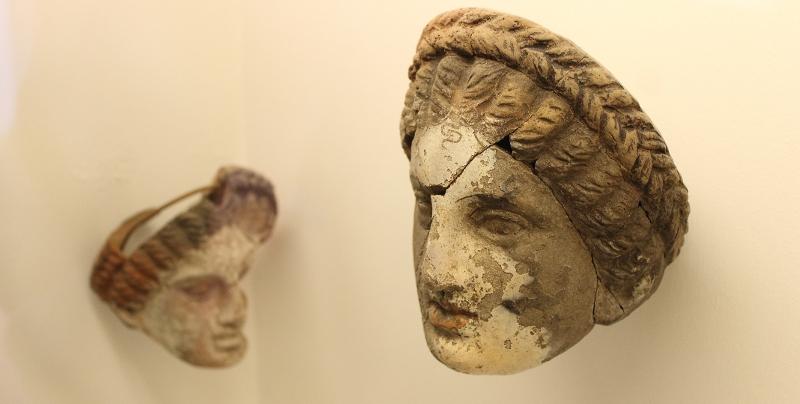 Lipari greca e le maschere del teatro