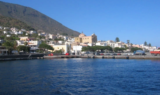 Santa Marina di Salina conquista le 5 vele blu