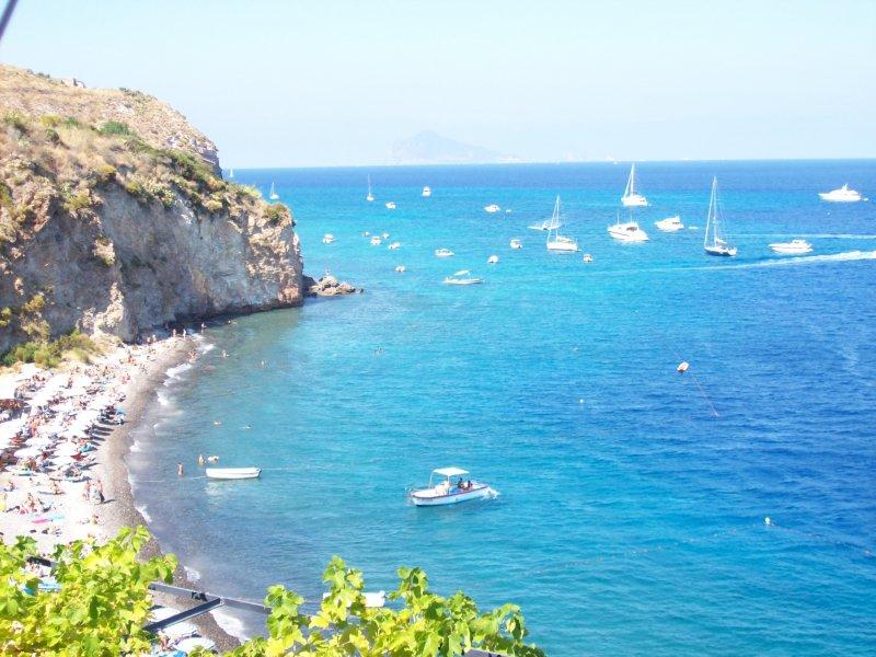 Le Eolie conquistano tre delle 10 posizioni nella classifica delle isole più belle d'Italia