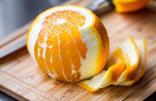 Preparativi per Natale: la ricetta del torrone di scorza di arancia