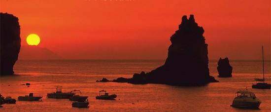 La poesia del tramonto su Vulcano