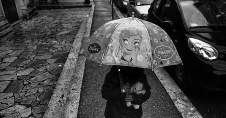 """""""Via!"""" – Fotografia di strada da Amburgo a Palermo, fino al 3 aprile al Museo di Roma in Trastevere"""