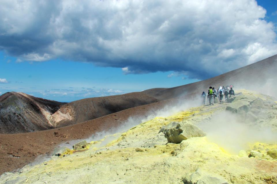 """Il cratere come respiro: l'intervista all'associazione """"Vulcani e Ambiente""""2°Parte"""