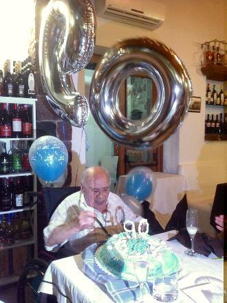 90 anni, auguri a don Mimì