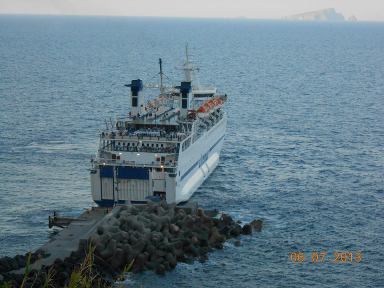 Napoli-Eolie, la nave che torna a Ginostra