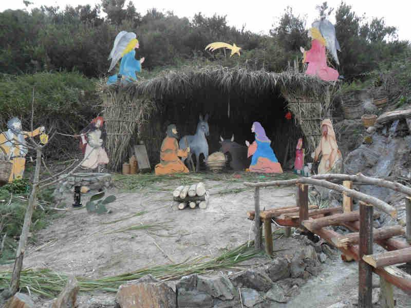 """I """"Cantori popolari"""" nel villaggio di Lami"""