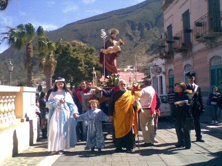 A Malfa la tavolata di San Giuseppe