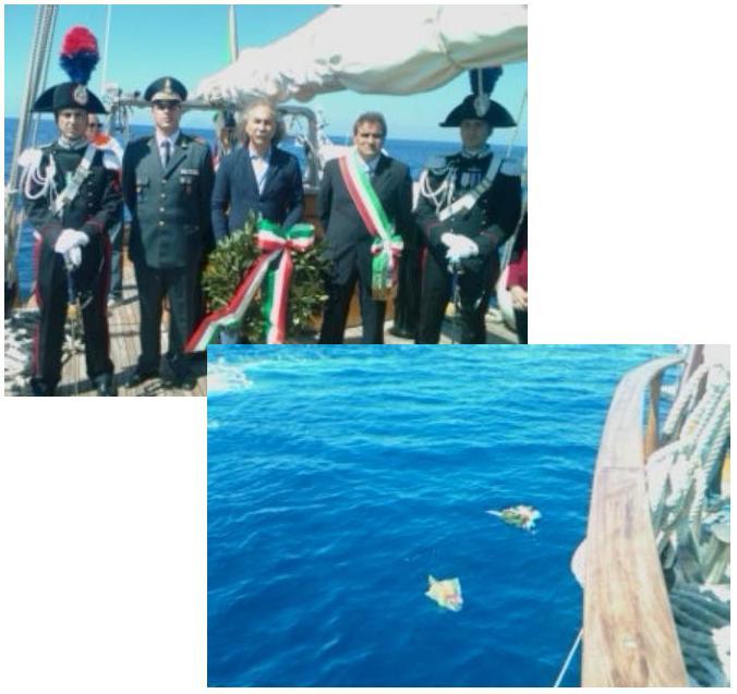Santa Marina, fiori in mare in memoria vittime