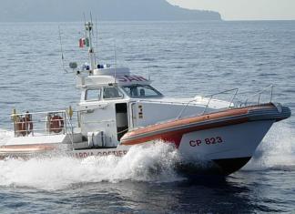 Il soccorso della Guarda costiera a Vulcano