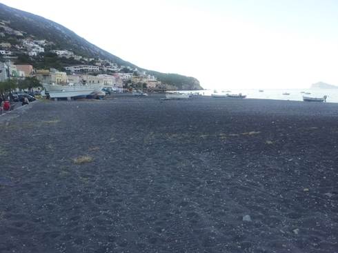 Canneto, quanta spiaggia...sprecata