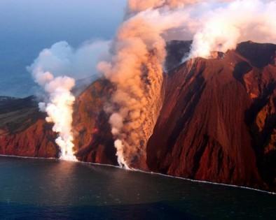Stromboli, il vulcano regala un Natale unico