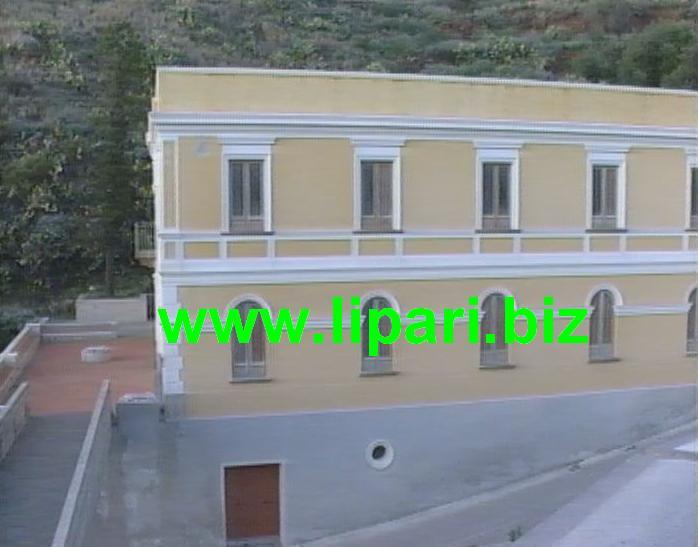 Guide turistiche visitano ex Terme San Calogero