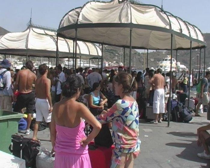 Vacanze, il 46% degli italiani a casa